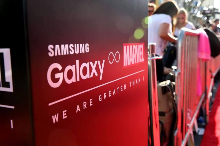 smt s6im marvel and samsung 720x480 - Galaxy S6 Edge Iron Man começa a ser vendido nesta quarta-feira