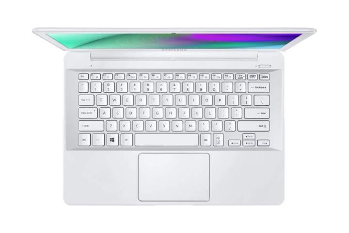 samsung style notebook branco 720x480 - Samsung lança quatro novas linhas de notebooks no Brasil