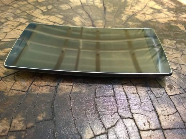 wp 20150617 0011 720x540 - Review: LG G Flex 2, o smartphone curvo e potente