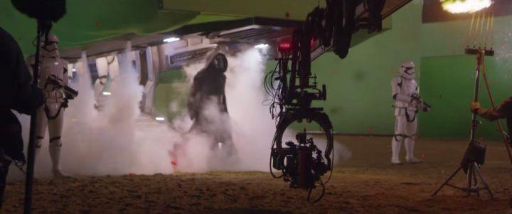 screenshot 31 720x301 - Star Wars O Despertar da Força: veja esse emocionante vídeo dos bastidores