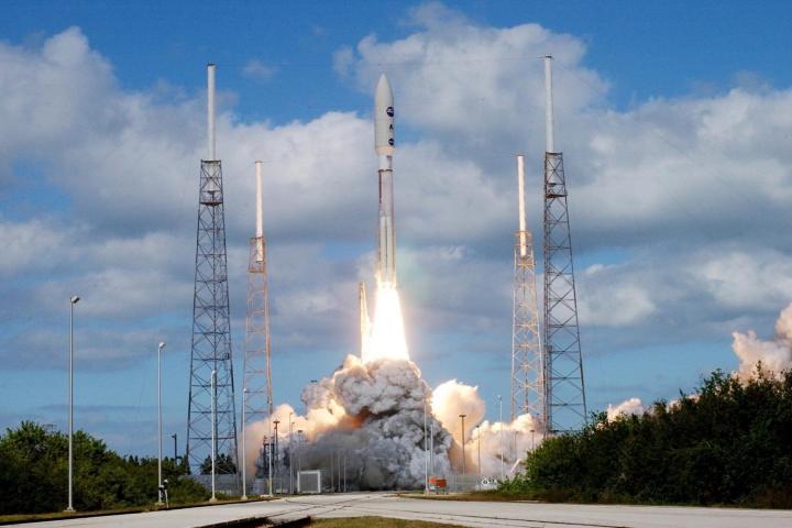 smt pluto fast 720x480 - Plutão: conheça 15 curiosidades sobre a missão New Horizons