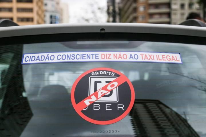 pp protesto taxistas durante votacao do uber 090920150009 720x480 - Câmara aprova projeto de lei que proíbe aplicativo Uber em São Paulo