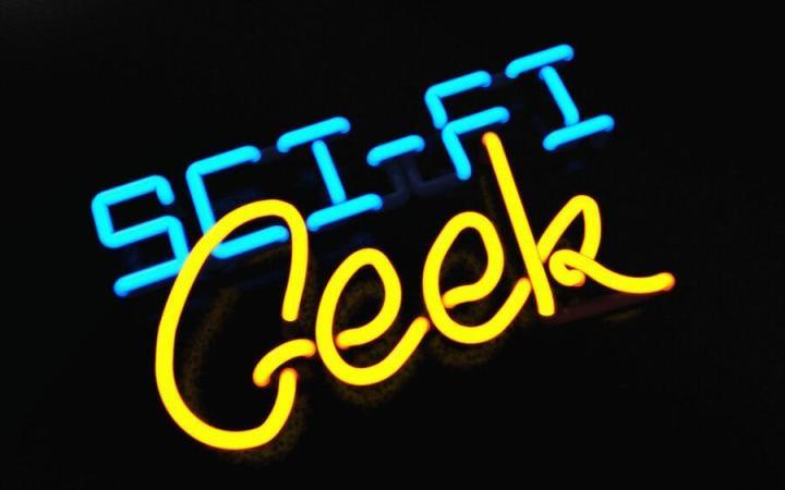 sci fi geek by scifinity 720x450 - Dica: 10 filmes para quem é fã de tecnologia