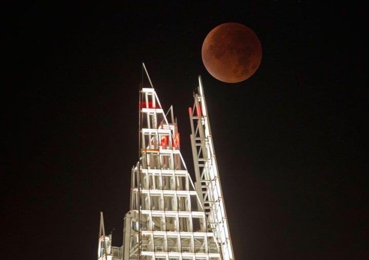 shard 720x509 - Veja as fotos do eclipse total da superlua ao redor do mundo