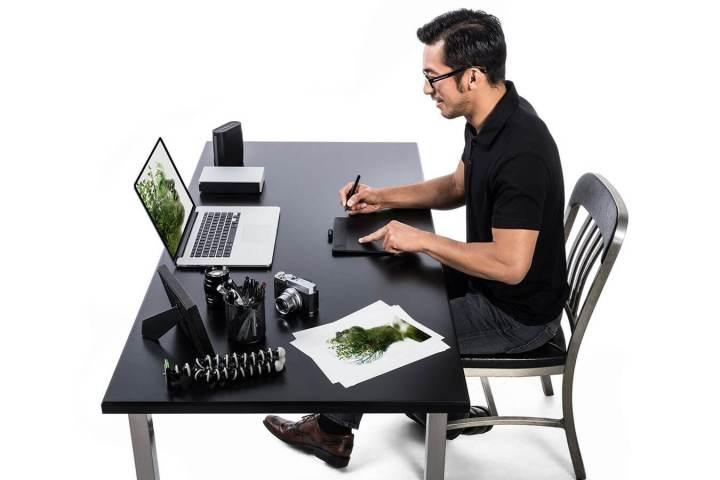 smt intuos intuosphoto 720x480 - Dando mesas à criatividade: Wacom anuncia 4 novos modelos da linha Intuos
