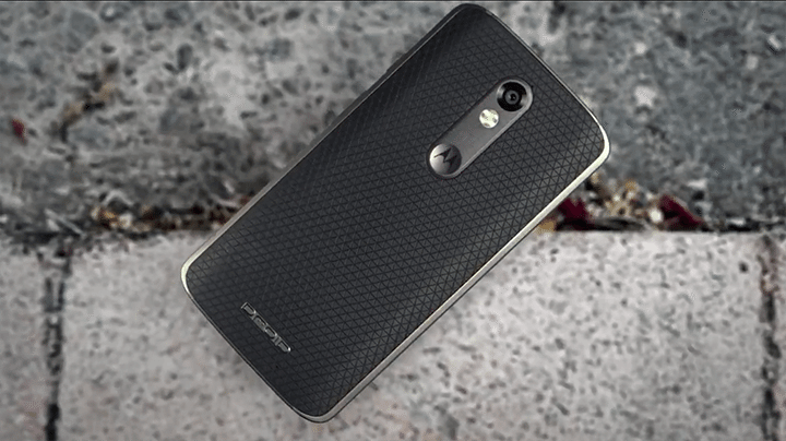 """moto bounce 720x404 - Saiba quanto vai custar o Bounce, o celular """"inquebrável"""" da Motorola"""