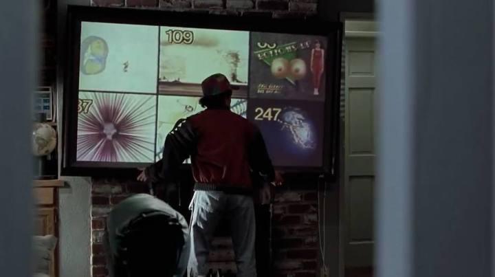 """tv tela plana 720x403 - Veja o que deu certo e errado em 14 previsões de """"De Volta para o Futuro"""" para 2015"""