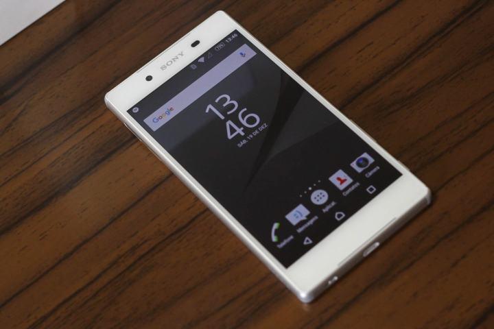 sony xperia z5 8 720x480 - Os melhores smartphones para presentear neste Natal