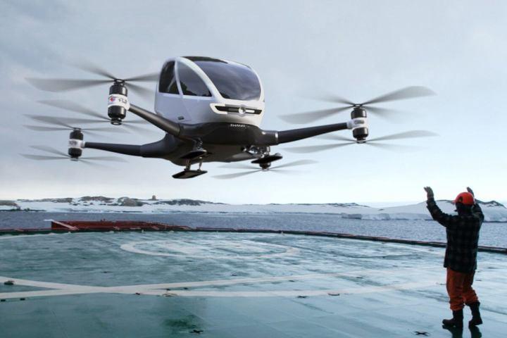 smt drones p00 720x480 - eHANG lança drone capaz de carregar um ser humano e voar a até 100 Km/h