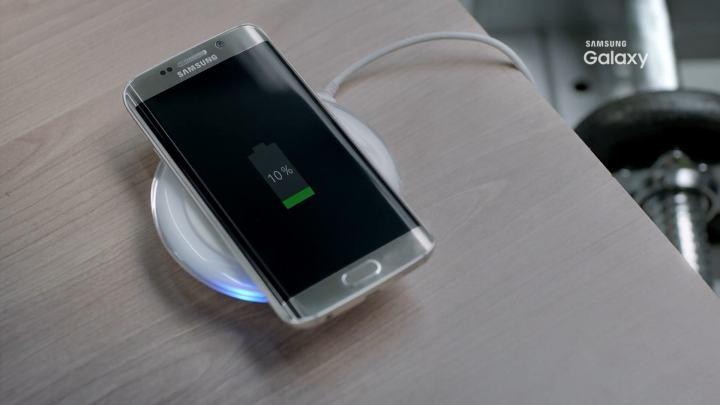 smt galaxys7 charging 720x405 - Pode chover! Vídeo indica que Galaxy S7 será à prova d'água