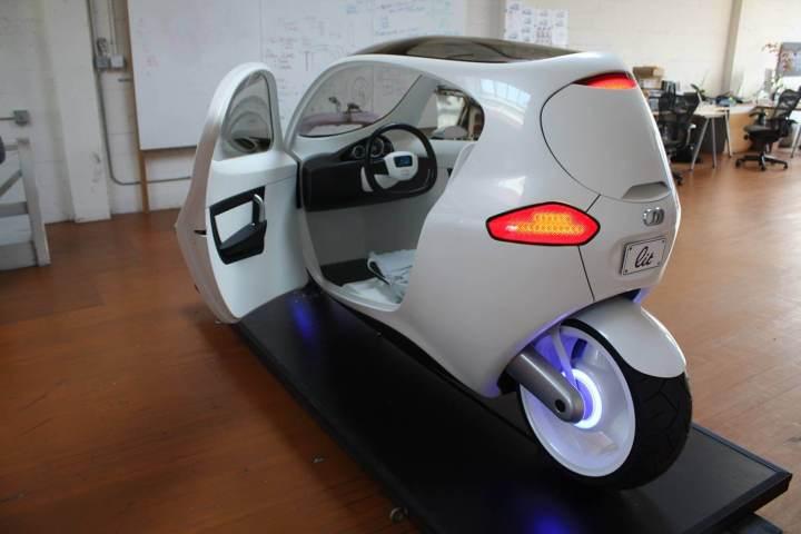 smt litmotorsc1 studio 720x480 - Meio moto, meio carro, o C-1 da Lit Motors pode revolucionar a forma de se locomover pela cidade