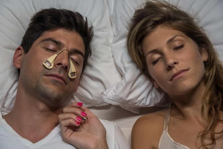 smt smart p1 720x480 - Startup britânica cria gadget que auxilia nos ruídos da apneia do sono