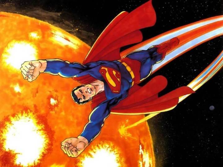 Superman indo recarregar no sol