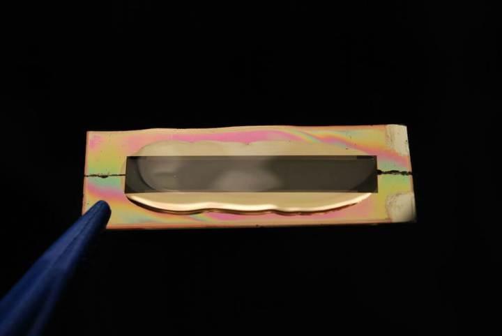 bateria infinita feita de nanotubos de ouro