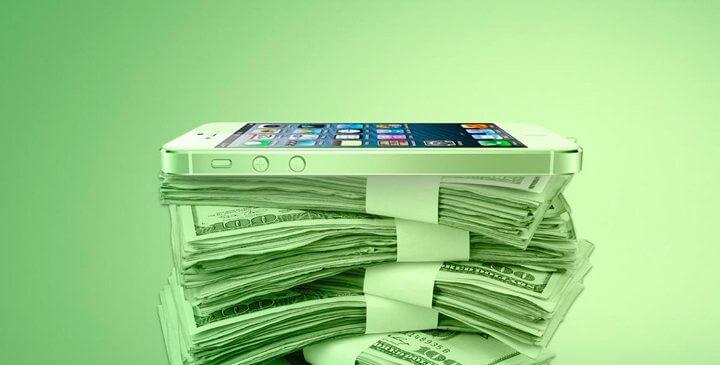 """smartphone dinheiro leo do bem 720x365 - """"Lei do Bem"""" foi restabelecida; preços de smartphones devem cair novamente"""