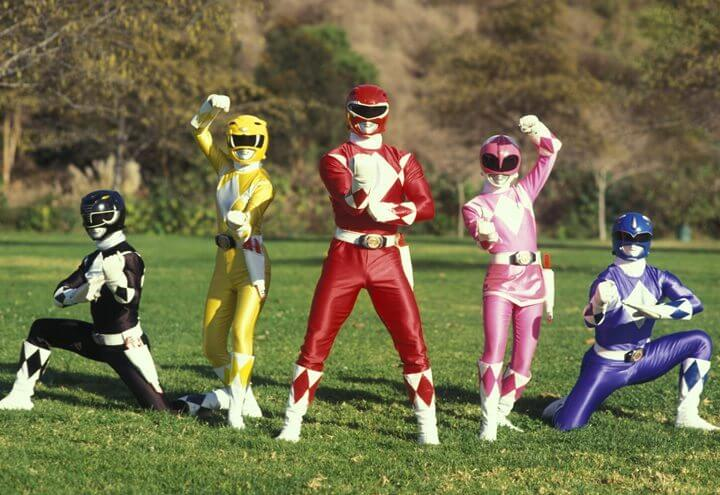 "mighty morphin power rangers 720x495 - Veja como ficou o uniforme dos novos ""Powers Rangers"""
