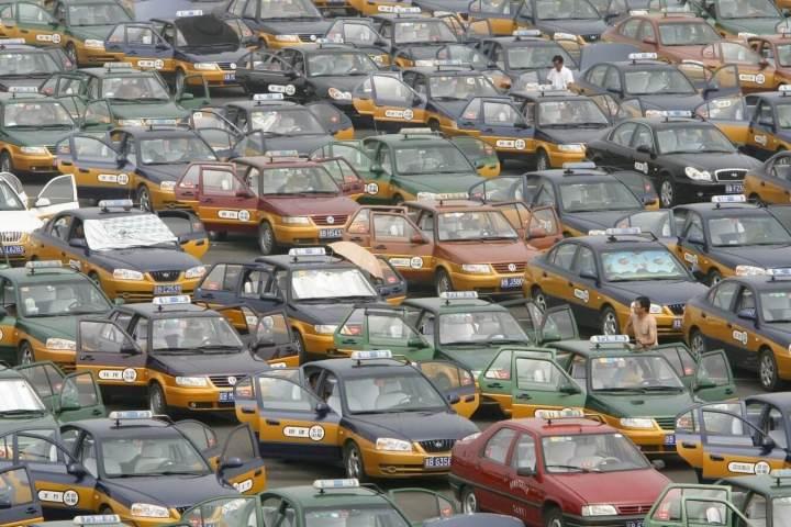 "smt didichuxing taxis 1 720x480 - Didi Chuxing, o ""Uber chinês"", recebe aporte de 1 bilhão de dólares da Apple"