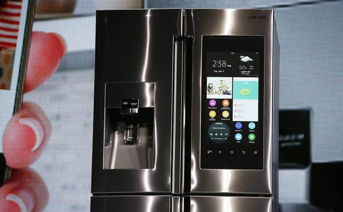 Esta geladeira da Samsung tem uma tela de 21,5 polegadas e roda Tizen