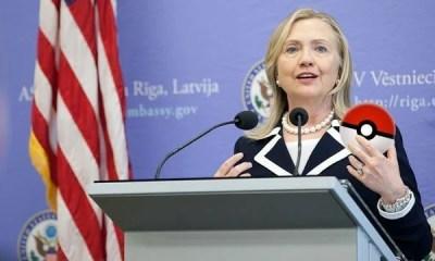 Hillary Clinton capturando Pokémon, digo, votos...