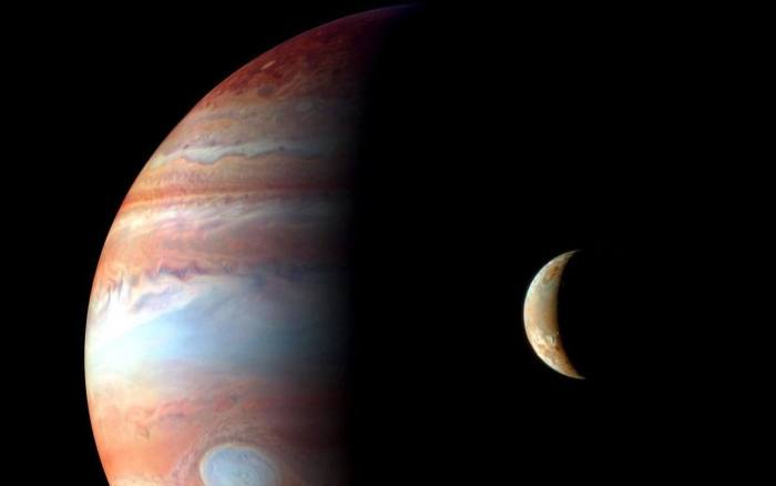 smt Juno Moon 720x450 - Sonda Juno entra com sucesso na órbita de Júpiter