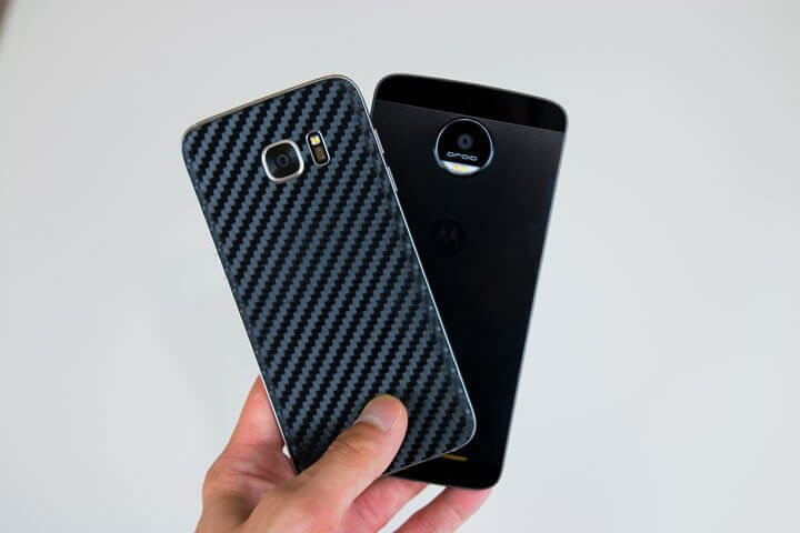 Motorola Moto Z vs Samsung Galaxy S7 Edge design - Duelo de titãs: Moto Z/Force vs. Galaxy S7/Edge