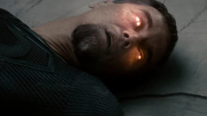 O Homem de Aço - Superman mata Zod