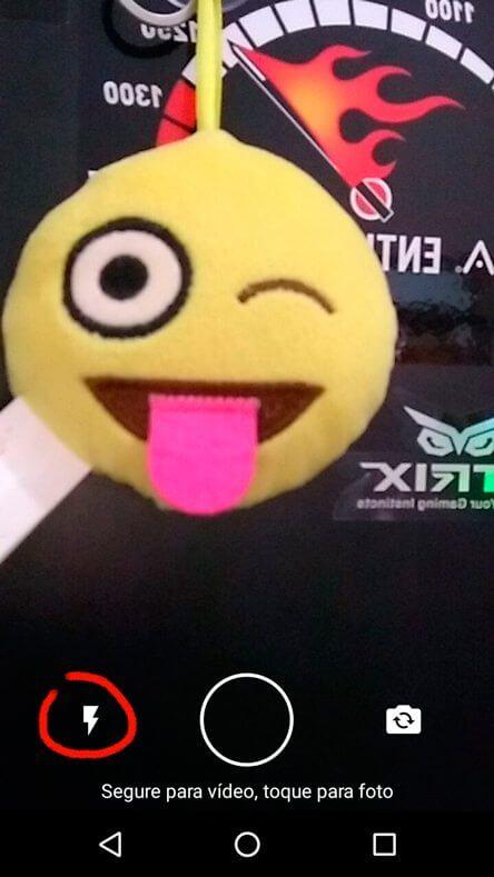 Flash frontal na Câmera do WhatsApp