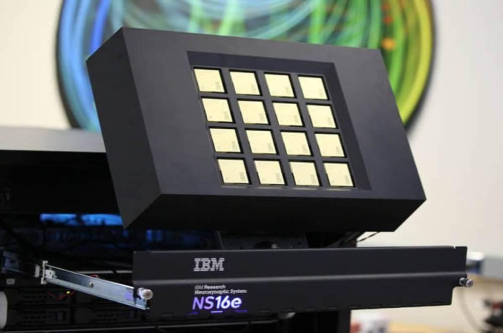maintruenorth - O novo processador da IBM é bem parecidos com o seu cérebro