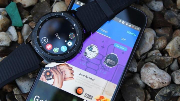 Uber, Flipboard e muitas faces de relógio estão disponíveis na loja de apps do Gear S3