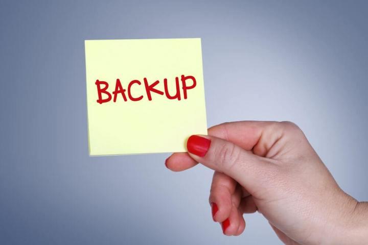 backup 720x480 - Tome estes cuidados com o smartphone ANTES de ser roubado