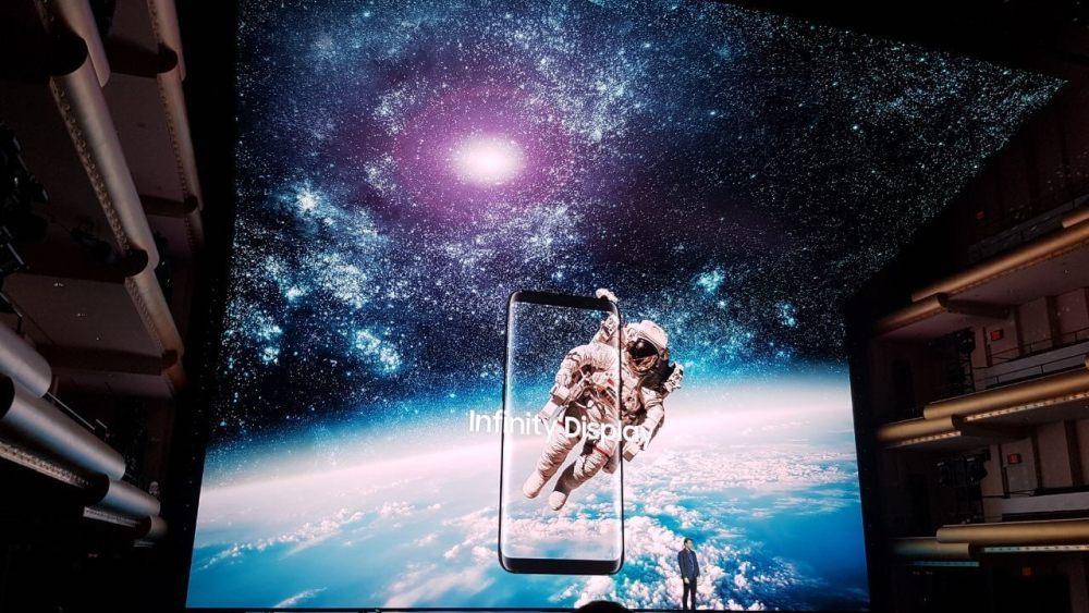 AGORA - Samsung lança Galaxy S8 e S8+ em evento global