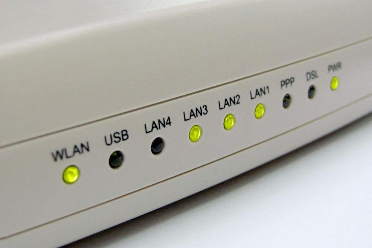 ROTEADOR 1 720x480 - Tutorial: saiba quem usa sua rede Wi-Fi e bloqueie invasores