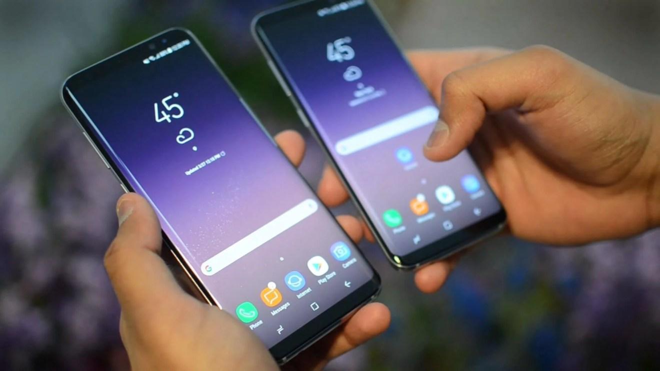 Galaxy S8+ (esquerda) e S8 (direita): dois tamanhos de tela, sem dificultar a pegada.