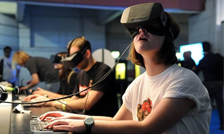 Oculus Rifts virtual reality headsets recently acquired by Facebook User BagoGames Flickr Commons 720x432 - Como o Facebook, o Google e a Apple planejam matar o smartphone