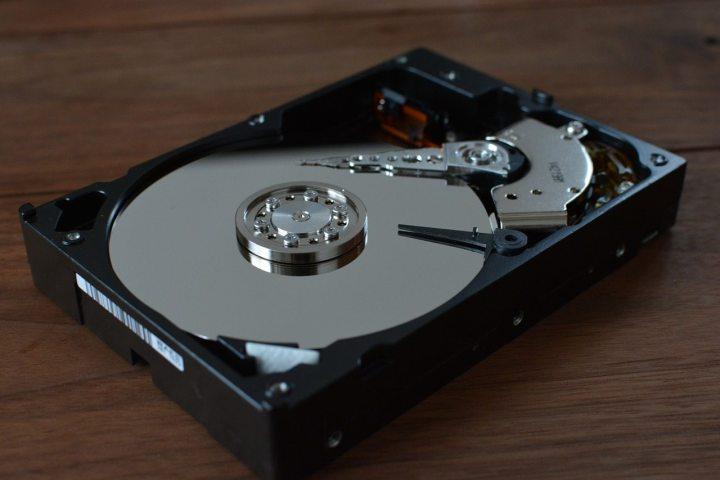 hdd 1273984 1280 720x480 - História das mídias: Por quanto tempo seus arquivos estarão a salvo?