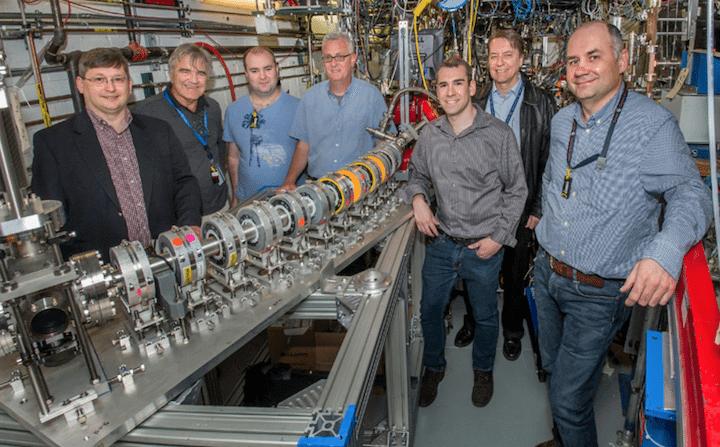 Acelerador de Partículas de pequena escala