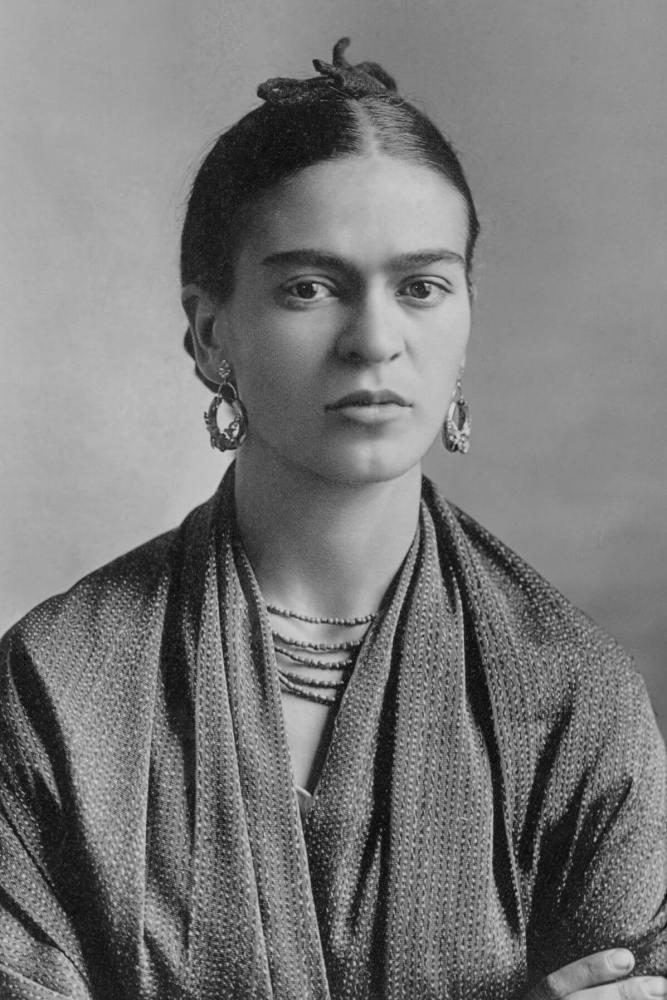 Frida Kahlo by Guillermo Kahlo 667x1000 - O que o IBM Watson tem a dizer sobre Gandhi, Hitler, Elon Musk, Frida e outras personalidades