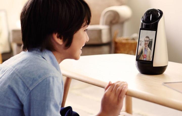 0489 ssdc mwc page smart products agent gallery img1 desktop c698bb4330db12777b9ff64816f68283 720x458 - Xperia Hello: o novo robô da Sony quer fazer parte da sua família