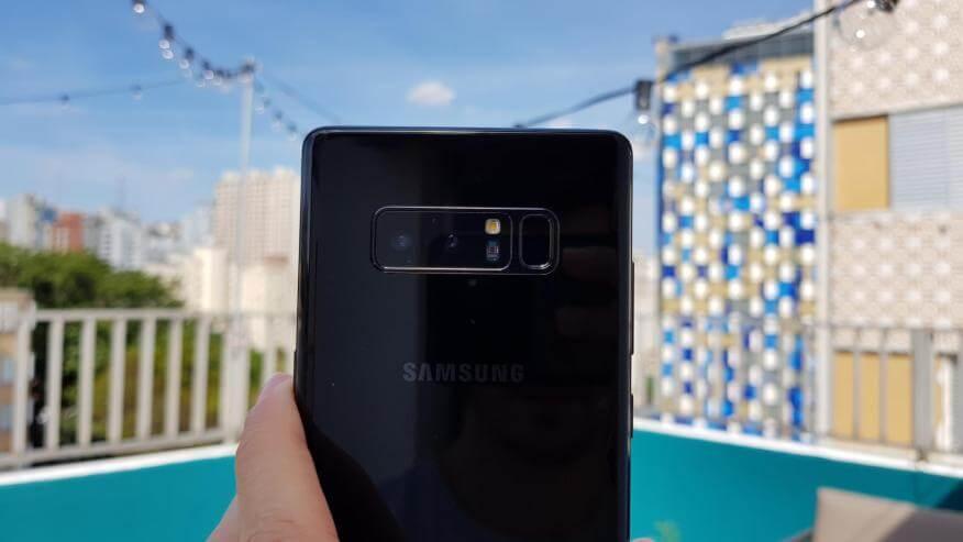 Samsung presenteia passageiros com 200 Galaxy Note8 em vôo