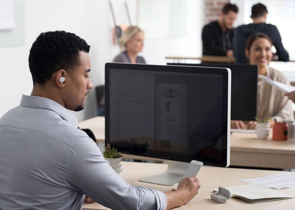 product page usecase Office - Here One: o fone de ouvido que bloqueia sons externos selecionados