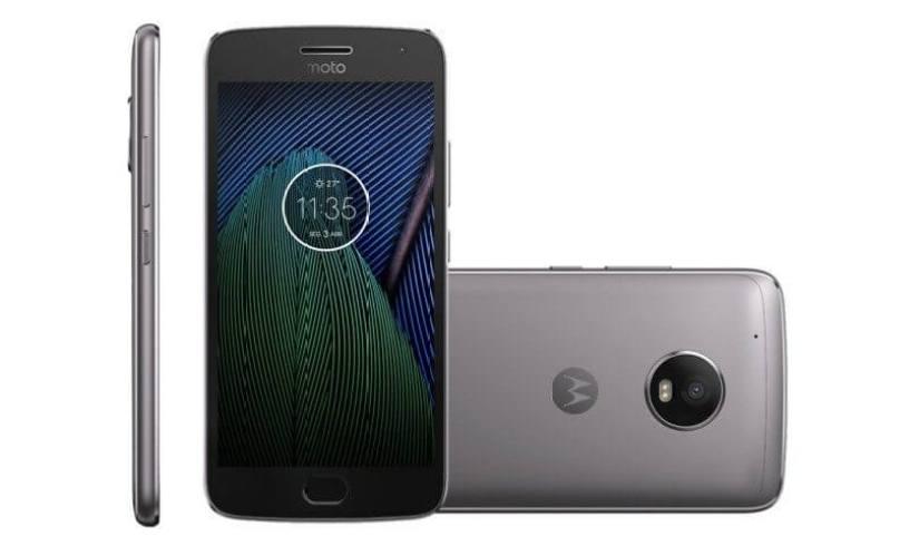 smartphone motorola moto g g5 plus tv digital 32gb xt1683 12 0 mp 2 chips android 7 0 nougat 3g 4g wi fi photo175289653 12 16 13 320x190 - Confira os smartphones mais buscados na ZOOM em outubro