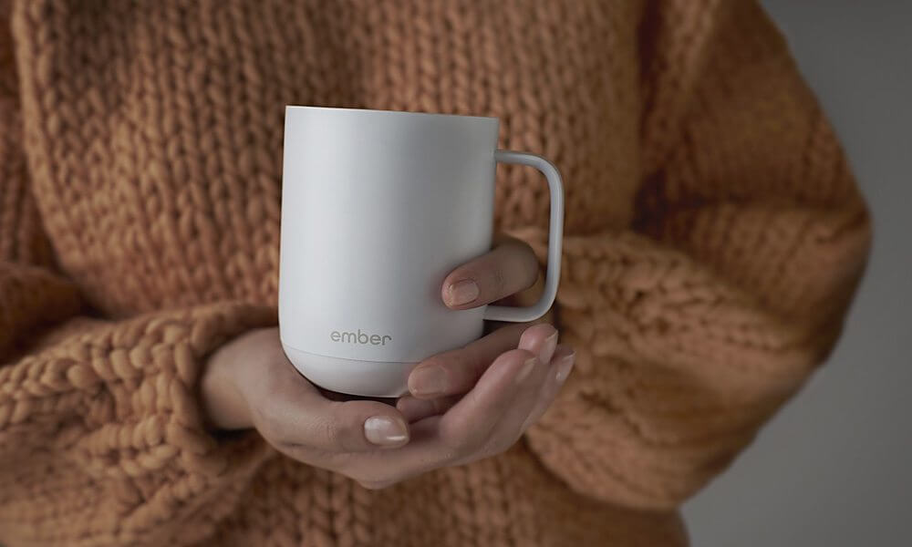 Ember Ceramic Mug Keeps Your Coffee at the Perfect Temperature 2 - Caneca inteligente é a mais nova sensação do Starbucks
