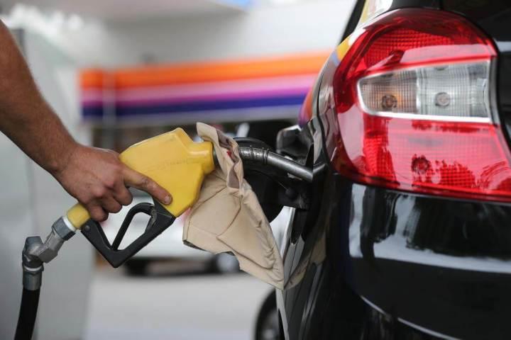 Vai viajar de carro? Conheça apps para calcular gastos com combustível