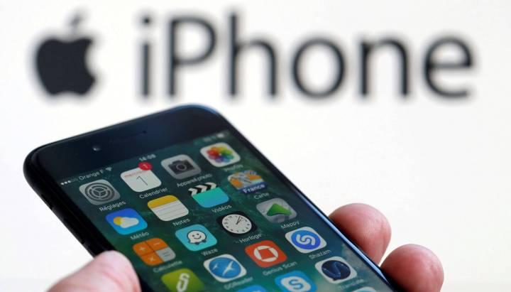RTX2Z6N2 720x411 - 7 sinais de que a Apple deixou seu iPhone mais lento