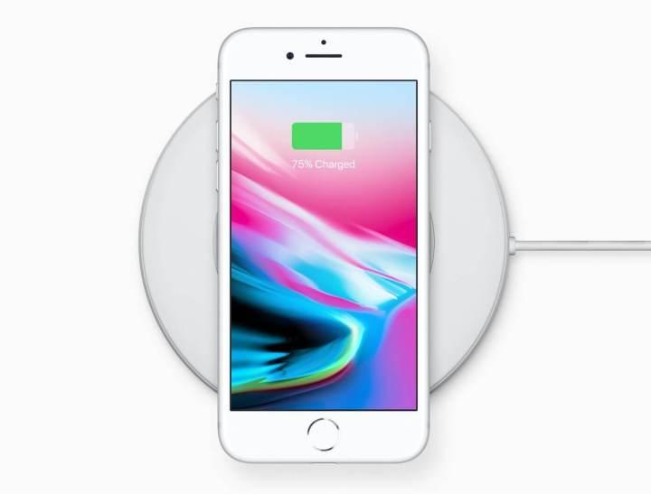 iphone8 charging dock front 720x547 - REVIEW: iPhone 8 e iPhone 8 Plus, evolução natural
