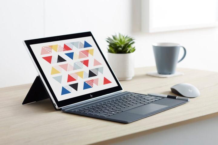 143022 laptops news hp envy x2 is an always connected snapdragon powered windows 10 2 in 1 image1 k7imlx4tjo 720x480 - CES 2018: HP anuncia novos notebooks e produtos para linha gamer