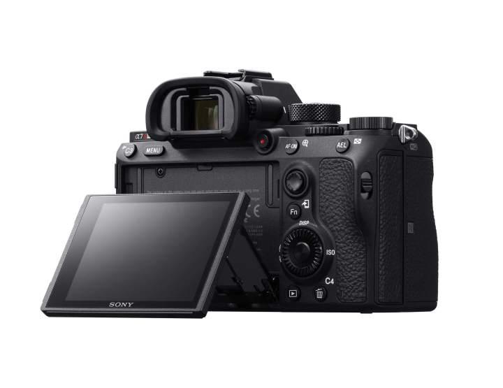 25189376488 03c2d749ea k 720x555 - Sony lança no Brasil a câmera Alpha A7R III