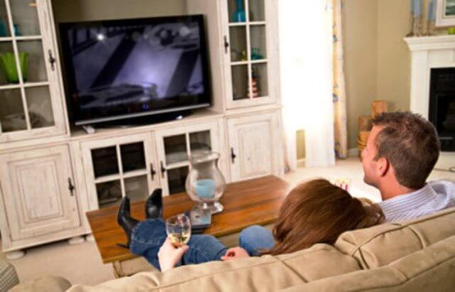 A televisão influencia sua opinião política? 9