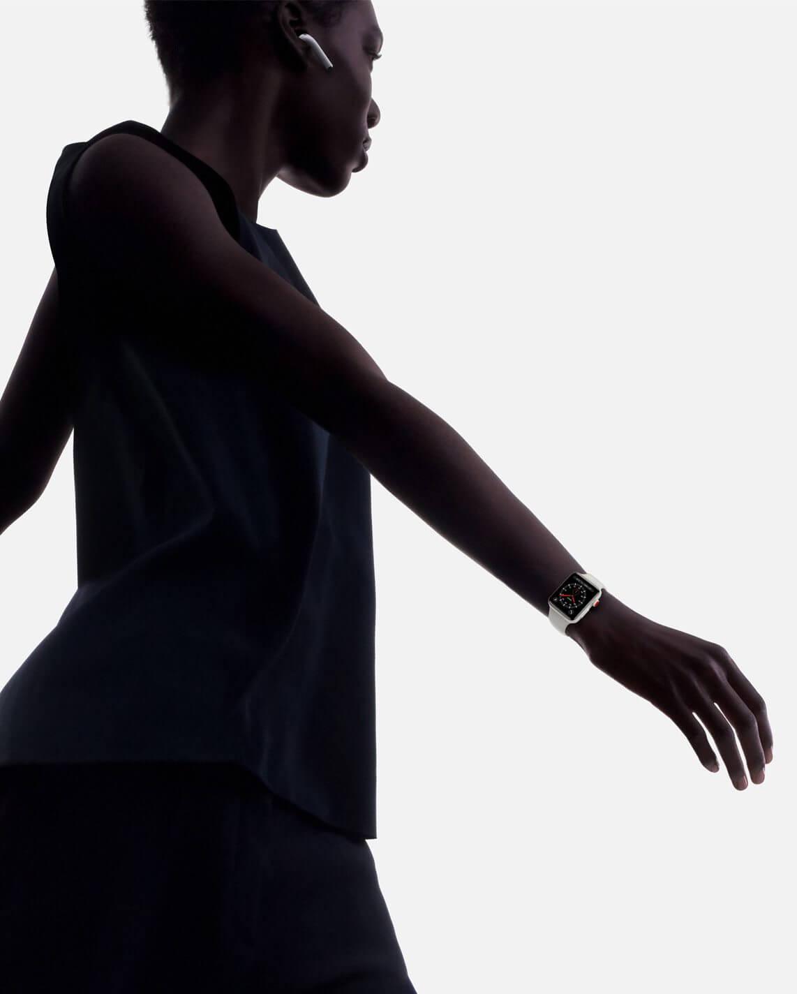 watch series 3 walking wristshot - REVIEW: Apple Watch Series 3, o wearable do momento