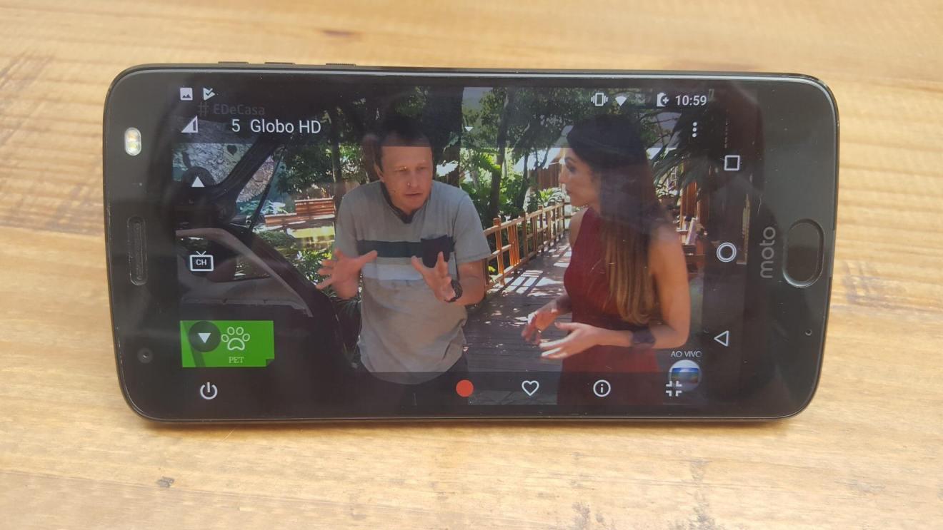 Power Pack e TV digital: conheça o mais novo Moto Snap 10